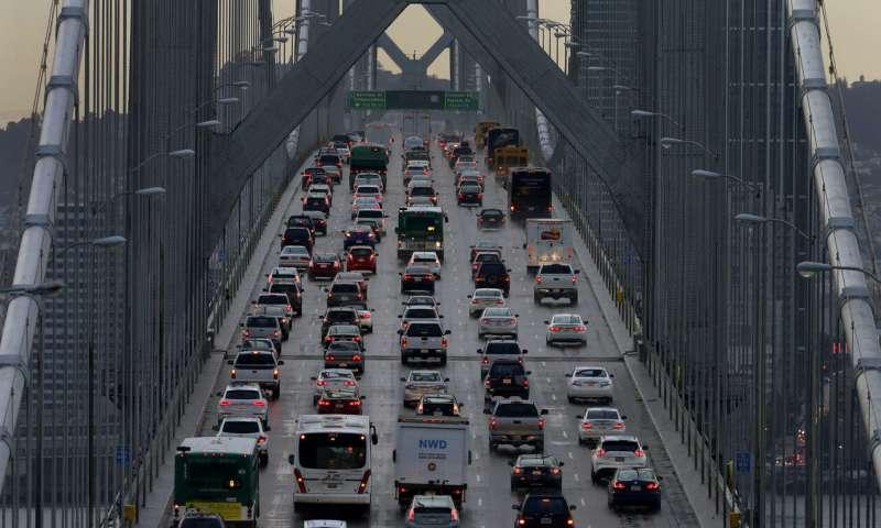 Automakers urge California, US to restart mileage talks