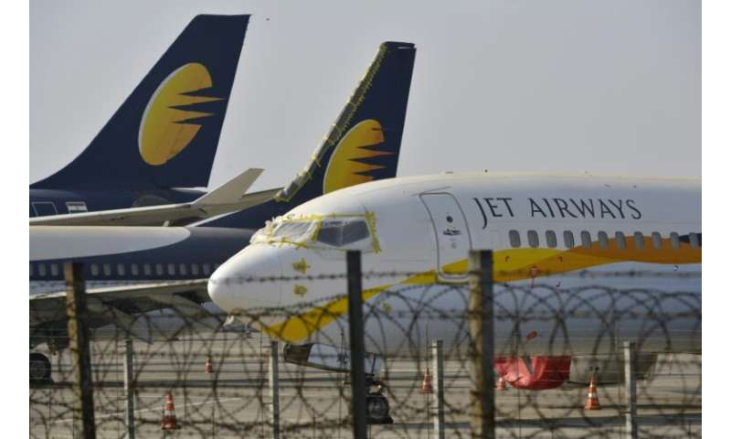 Bad investments, competition from several low-cost carriers, high oil prices and a weak rupee have led to Jet's current financia