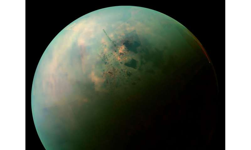 'Bathtub rings' around Titan's lakes might be made of alien crystals