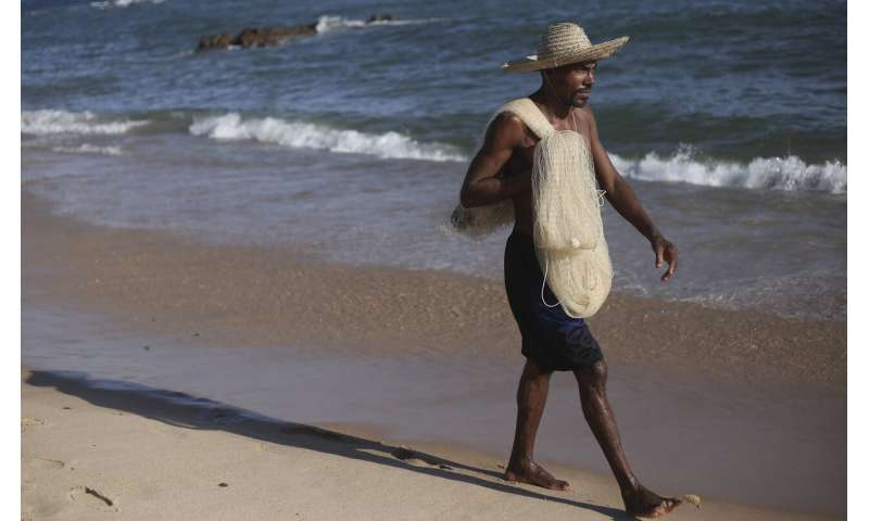 Brazil oil spill leaves local fishermen in the lurch