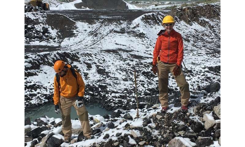 Breathable lava suits: volcanologist field-tested and approved