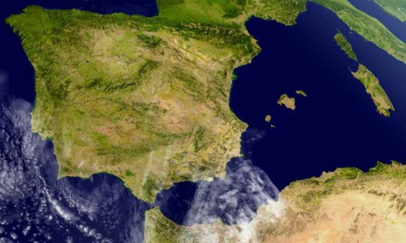 Centuries-old population movements revealed in fine-scale genetic map of the Iberian Peninsula