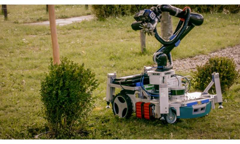 Cutting-edge robot makes short work of gardening chores