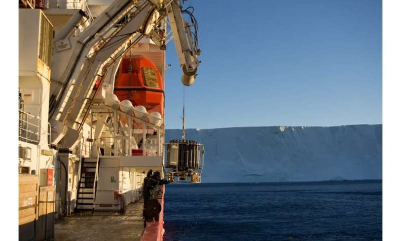 Dense Antarctic water returning to the Atlantic