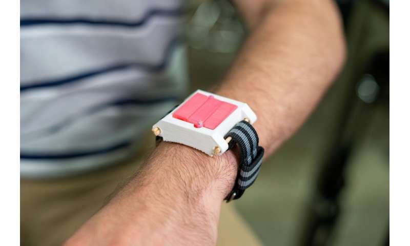 EpiWear: Students work up wearable to halt allergic reactions