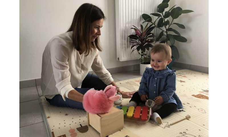 France OKs bill  legalizing IVF for lesbians, single women (Update)