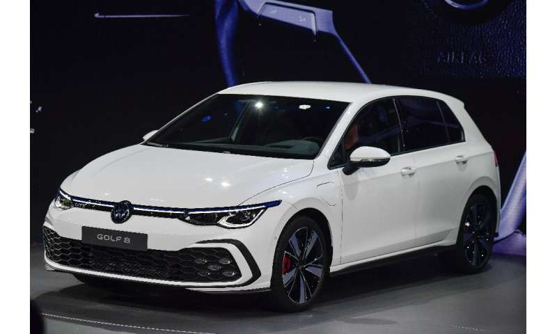 volkswagen unveils new golf as end of era nears. Black Bedroom Furniture Sets. Home Design Ideas