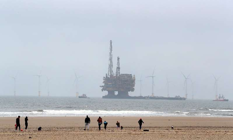 Germany calls crisis meet over Shell North Sea platforms