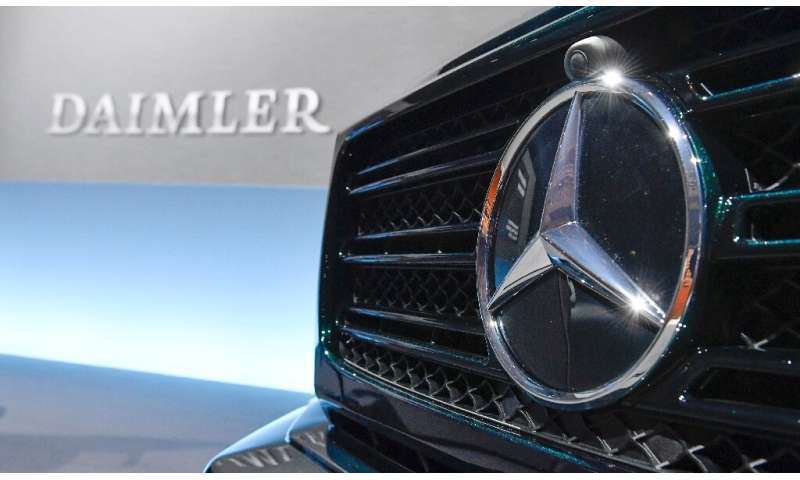 Germany's federal transport authority KBA has ordered Daimler to recall hundreds of thousands of diesel vehicles for breaking em