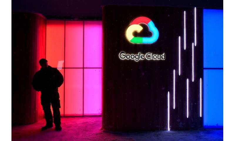 Google is seeking to bolster its cloud computing with the acquisition of data analytics startup Looker
