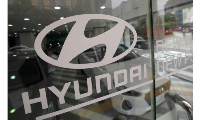 Hyundai said net profit during the January to March period rose 30 percent from a year earlier to 954 billion won (US$830 millio