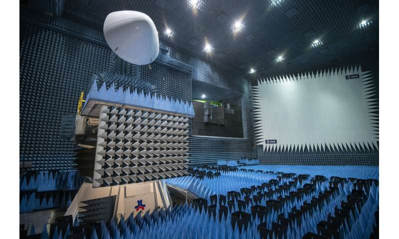 Image: Aircraft nose dome assessed in ESA Hertz chamber