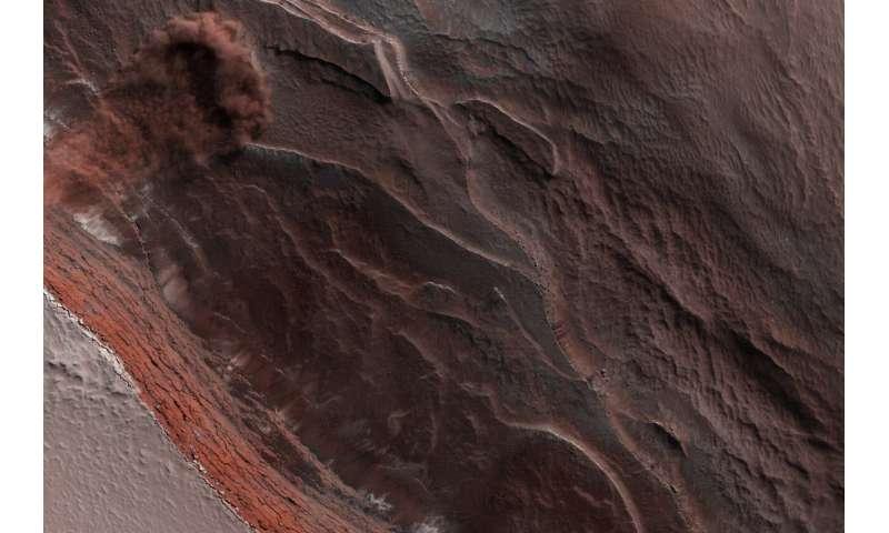 Image: Avalanche season on Mars