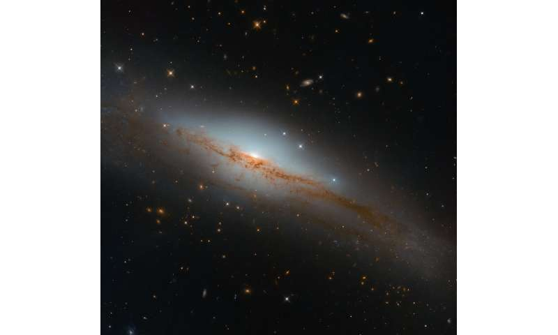 Image: Hubble eyes an emitting galaxy