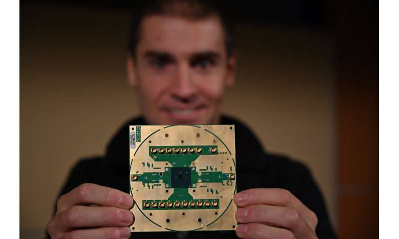 Intel Introduces cryogenic control chip 'Horse Ridge' to enable control of multiple quantum bits