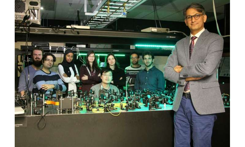 In the blink of an eye: Team uses quantum of light to create new quantum simulator