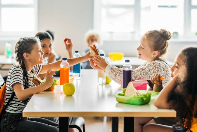 Kids experiencing food insecurity drink more sugary beverages, eat less fruit in summer