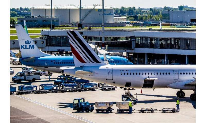 KLM will from March 2020 reduce from five to four the number of flights from Amsterdam to Brussels in a bid to cut its environme