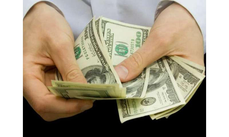 Larger physician bonus may improve care in chronic disease