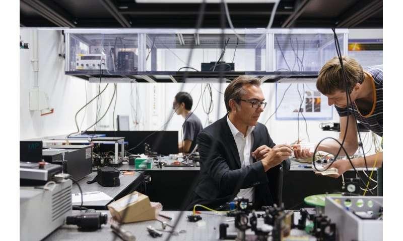Laser light detects tumors