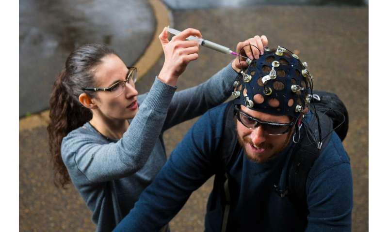 Make some noise: How background noise affects brain activity