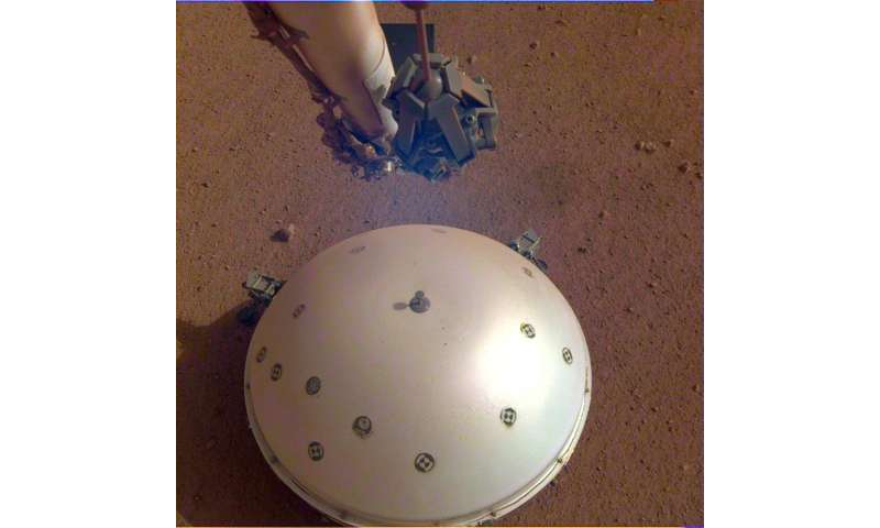 'Marsquake': first tremor detected on Red Planet