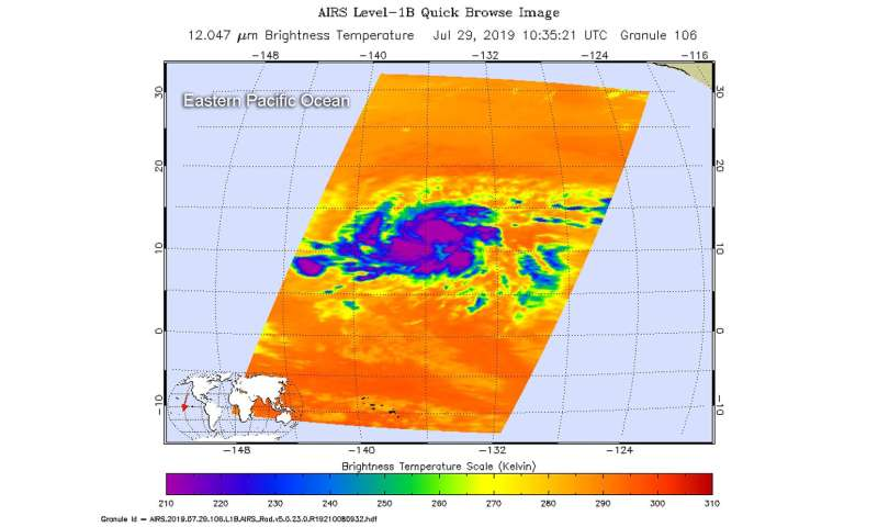 NASA finds Flossie's center just north of coldest cloud tops