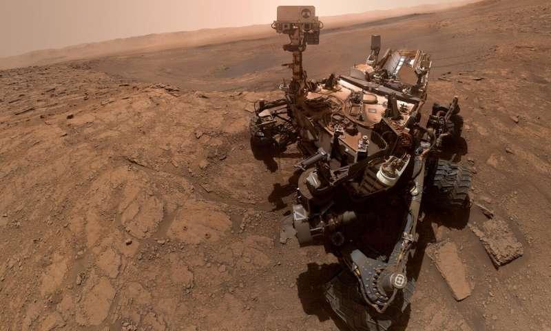 New selfie shows Curiosity, the Mars chemist