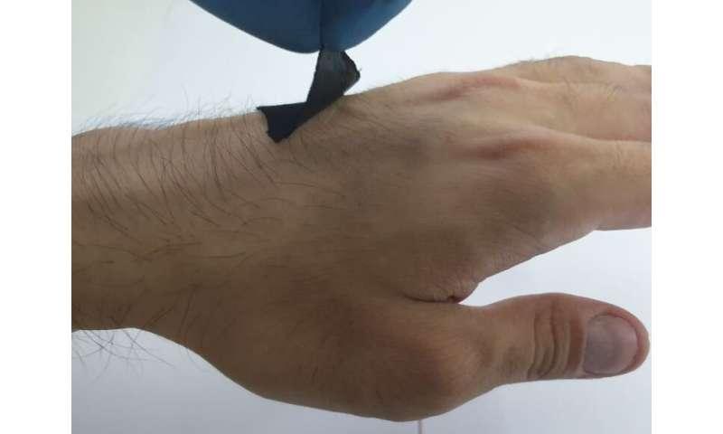 Octopus-inspired wearable sensor
