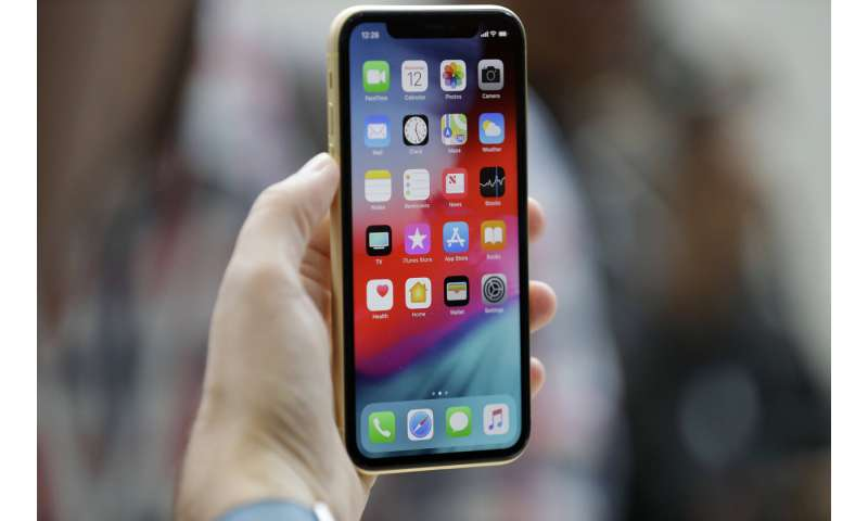 Operation indiscriminately infects iPhones with spyware