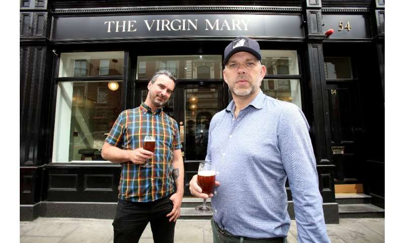 Pub co-owners Oisin Davis (L) and Vaughan Yates, who work in the drinks industry, said they had noticed non-alcoholic options in