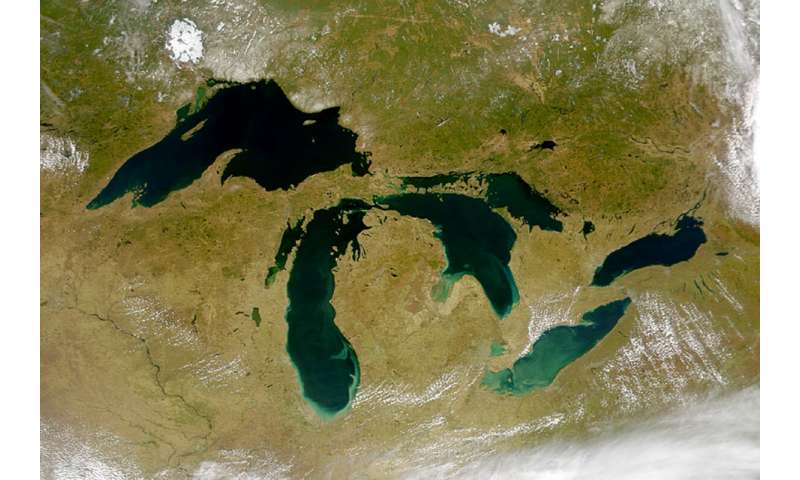 Report outlines growing climate change-related threats to Great Lakes region