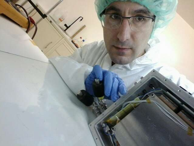 Resistive plate chambers as neutron detectors