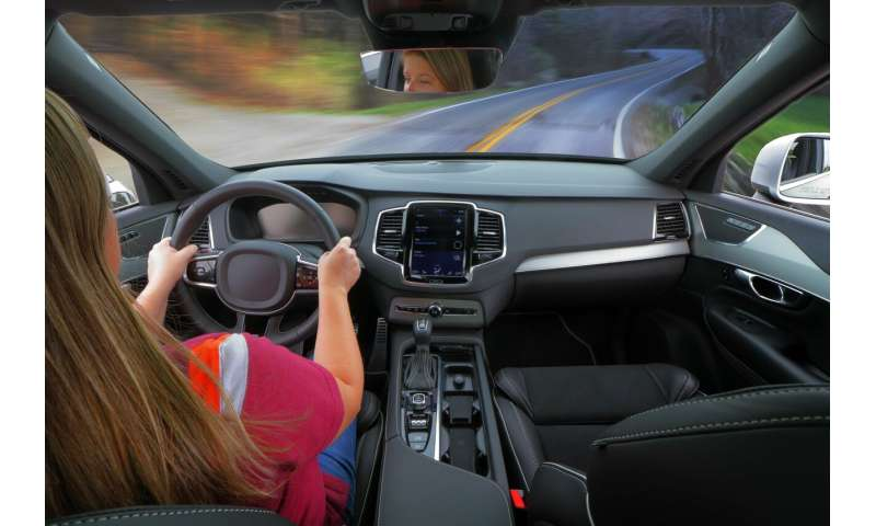 Safe to use hands-free devices in the car? Yes, according to research