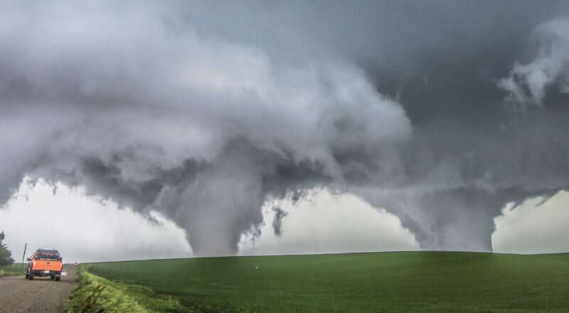 Size of thunderstorm dome clouds may predict tornado intensity
