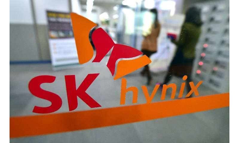 SK Hynix predicted demand for its DRAM chips used in smartphones will pick up this year