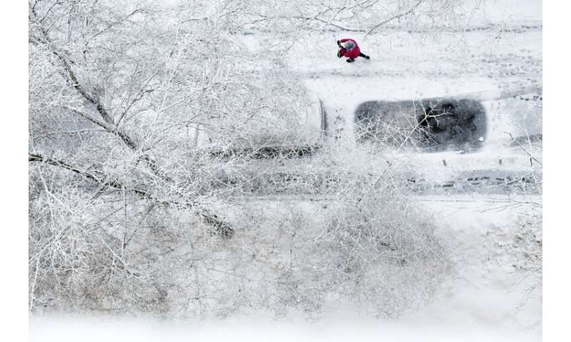 Some seven centimetres (2.8 inches) of snow fell overnight, according to the national meteorological service, with drifts reachi