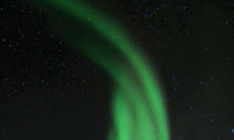 Study presents surprising explanation for differences in southern and northern lights
