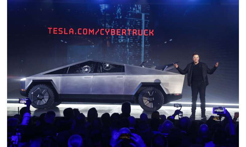 Tesla edges into pickup truck market with electric model