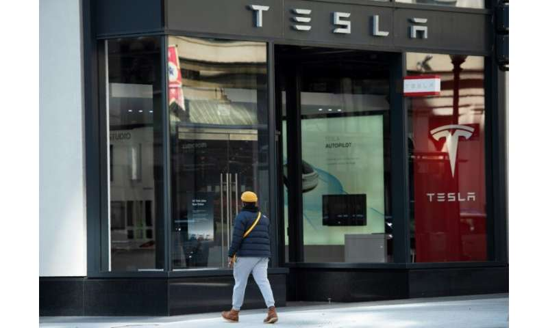 Tesla will have fewer stores with limited offerings, and most customers will simply be shown how to order a vehicle online