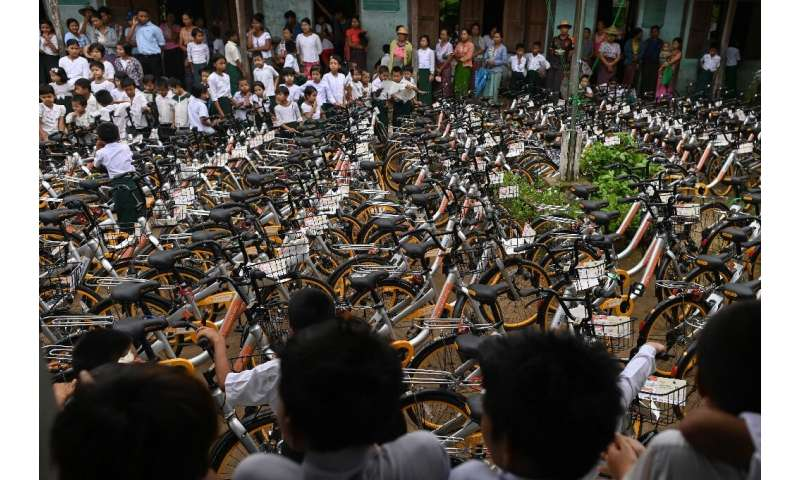The aim is to keep up momentum and hand out a total of 100,000 bikes over five years