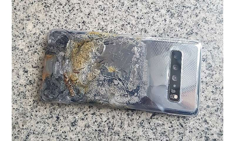 The smartphone user claimed his Galaxy S10 5G phone had burnt 'without reasons'