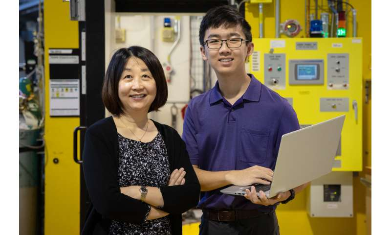 The way is clear: CORNING taps neutrons for developing new glass compositions
