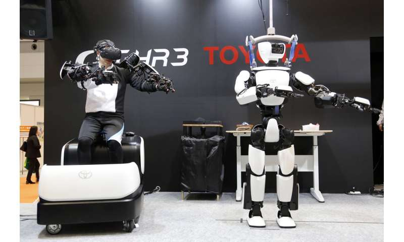 Toyota's humanoid duplicates movements in robotic mobility