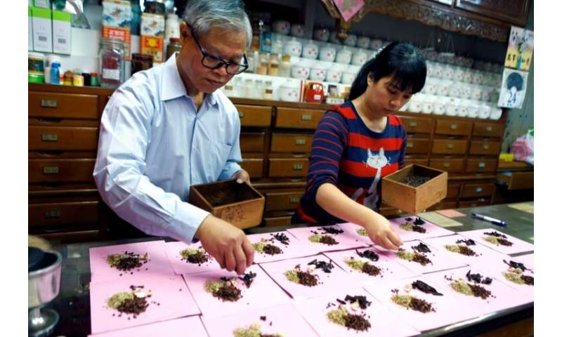 Traditional medicine stores are dying out in Taiwan due to a licensing law, despite remaining wildly popular