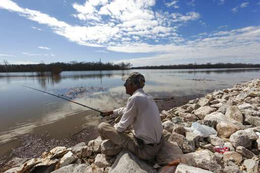Water surrounds Mississippi town as rivers rise across South