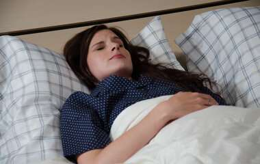Women underreport prevalence and intensity of their own snoring