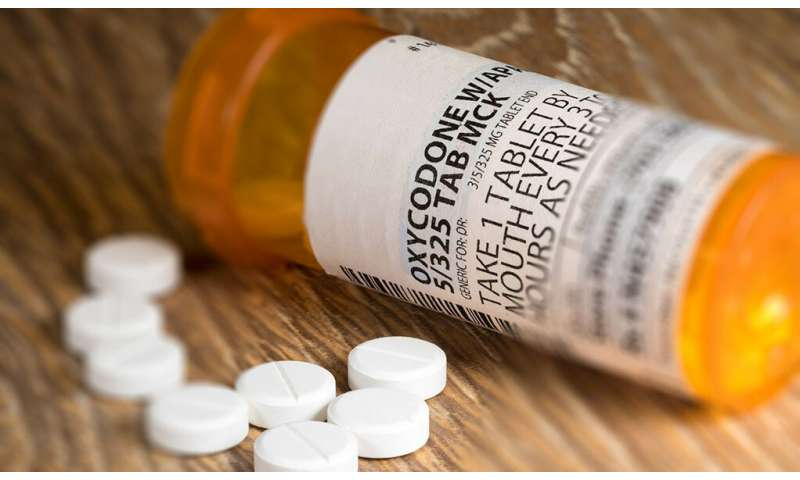 Yale experts develop new free app to tackle opioid addiction