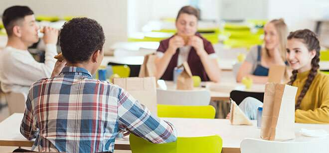 Young people who eat lunch make better dietary choices