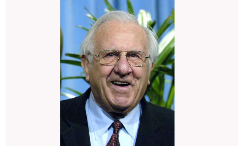 Pelopor komputer Arnold Spielberg, ayah Steven, meninggal pada usia 103